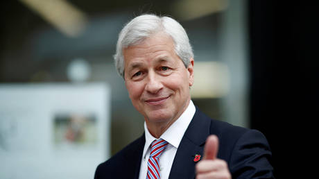 jpmorgan-ceo-gets-all-the-money-in-the-'most-corrupt-scheme-ever,'-amid-covid-19-misery-–-rt's-keiser-report