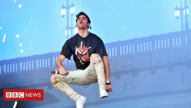 Photo of Chainsmokers gig prompts inquiry over social distancing