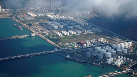 can-india-really-shut-down-oil-supply-to-china?