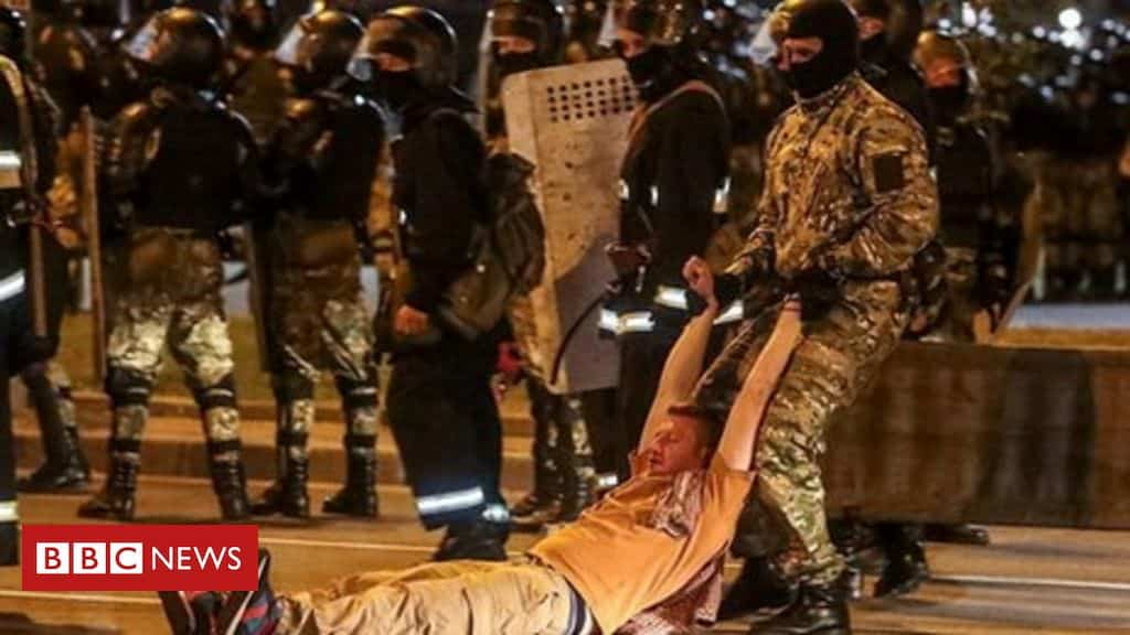 belarus-election:-rubber-bullets-fired-at-anti-government-protesters