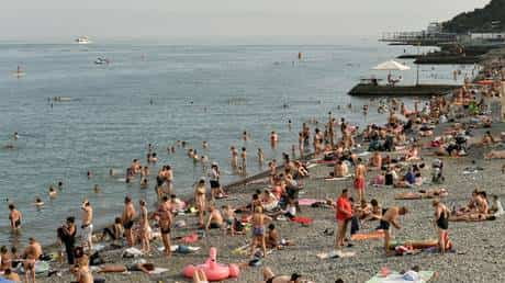 nearly-1.5-million-tourists-flock-to-crimea-after-russia-eases-coronavirus-restrictions