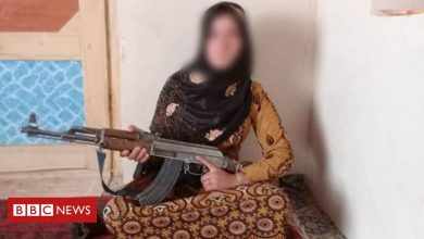 Photo of The girl who picked up an AK47 to defend her family