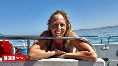 Photo of Chloe McCardel: Swimmer seeks to beat men's Channel record and quarantine