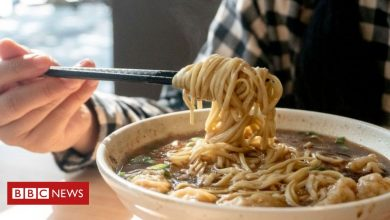 Photo of China restaurant apologises for weighing customers