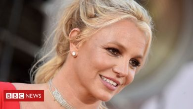 Photo of Britney Spears asks court to remove dad's control over personal life