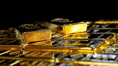 Photo of Death of DOLLAR good for GOLD: Bullion pushes past $2,000/oz as greenback dips