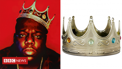 Photo of Notorious B.I.G. crown and Tupac love letters up for auction