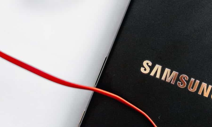 samsung-uk-offers-galaxy-z-fold-2-pre-orders-at-1,799