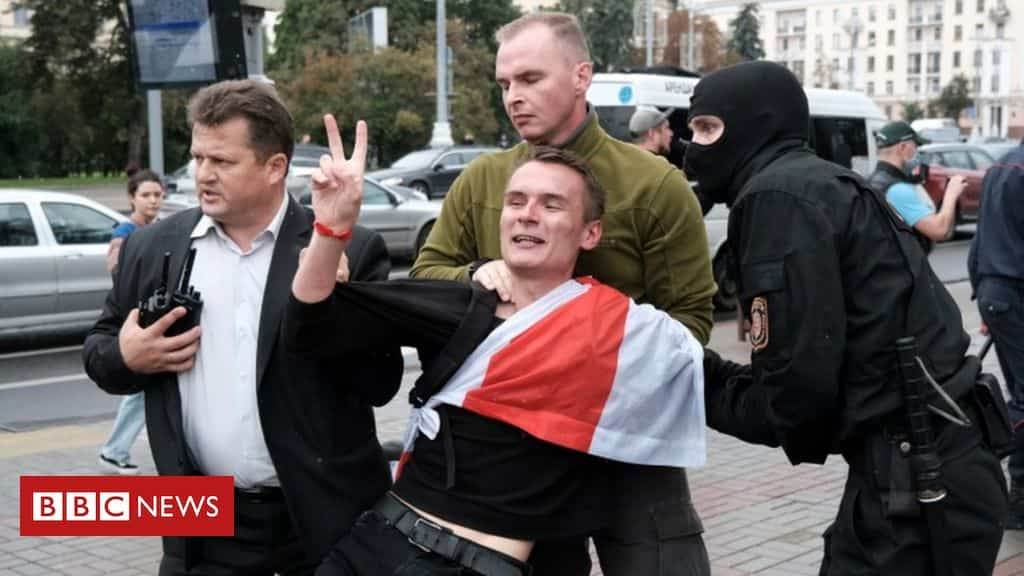 belarus-protests:-students-held-as-marches-mark-new-term