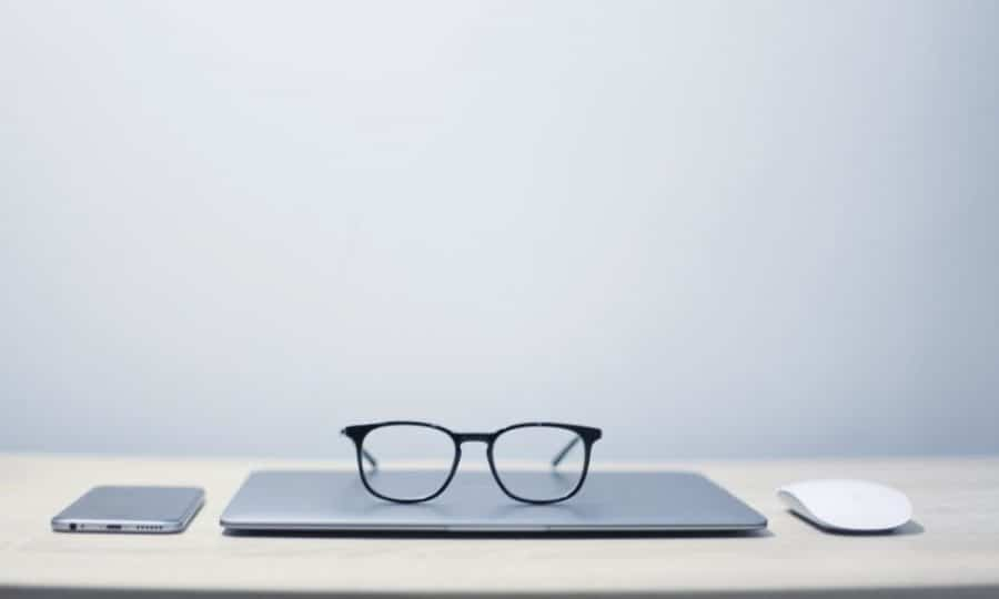 new-smart-glasses-could-ping-you-to-get-back-to-work