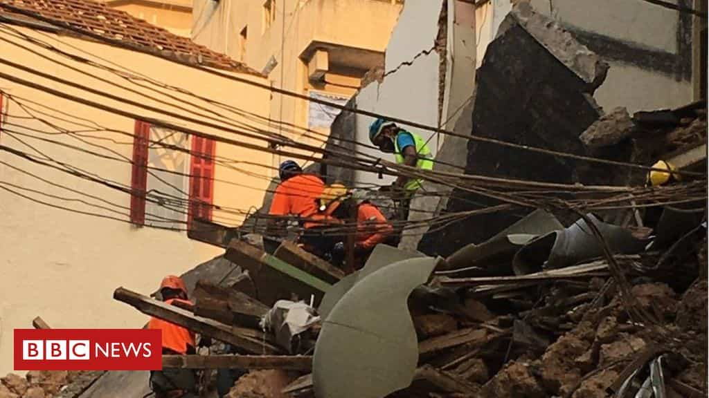 beirut-explosion:-rescuers-investigate-'heartbeat-in-the-rubble'