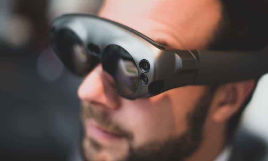 """facebook-working-on-""""smart-audio""""-for-ar-glasses"""
