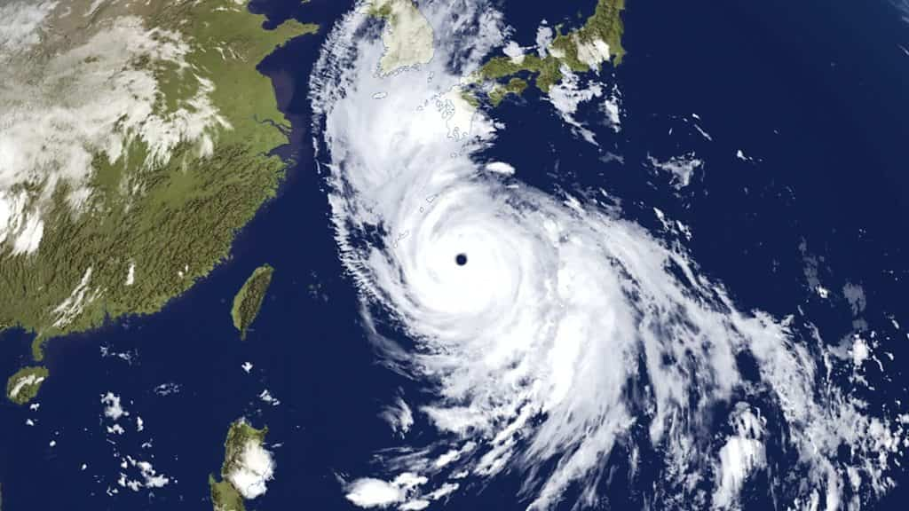 typhoon-haishen:-japanese-urged-to-stay-alert-as-storm-blows-in