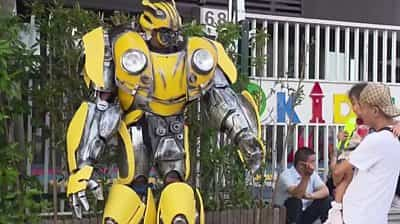 father-dresses-as-transformer-on-son's-first-day-back-at-school
