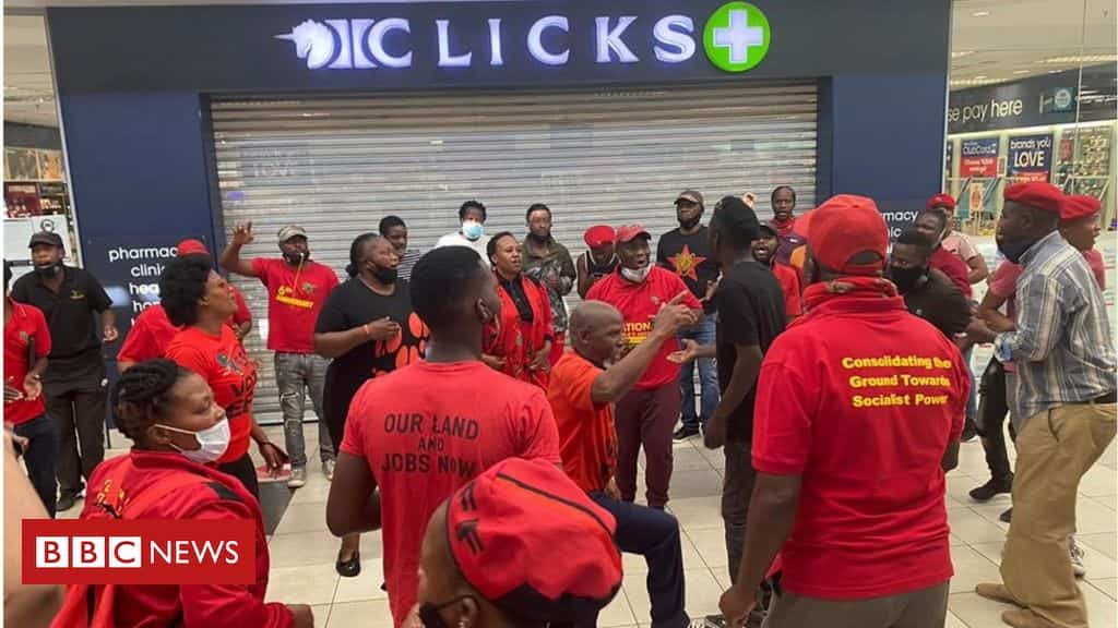 south-africa's-clicks-beauty-stores-raided-after-'racist'-hair-advert