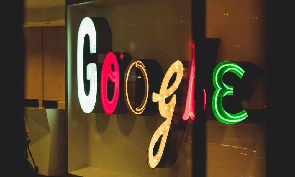 google-lets-employees-work-from-home-until-summer-2021