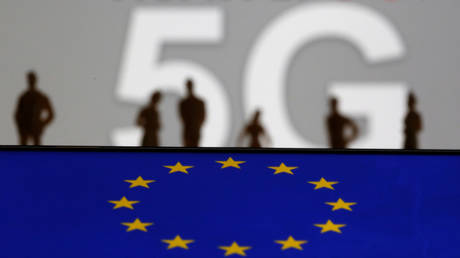 europe-is-'far-behind'-the-rest-of-the-world-on-5g-deployment,-top-industry-players-warn