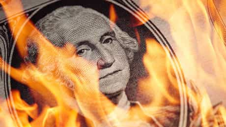 dollar-will-crash-in-2021,-us-should-brace-for-double-dip-recession,-economist-warns