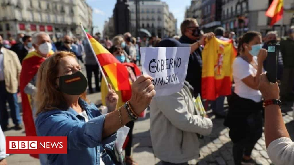 coronavirus:-madrid-at-serious-risk-without-tougher-rules,-minister-warns