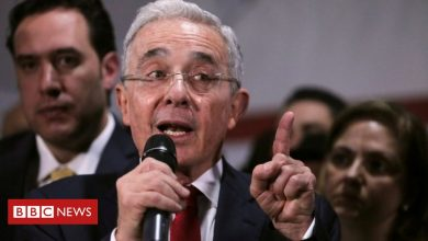 Photo of Álvaro Uribe: Colombian ex-leader released from house arrest