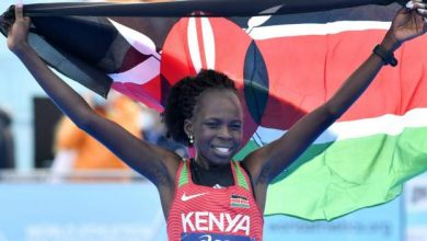 Photo of Kenya's Jepchirchir breaks half-marathon record