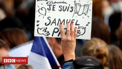 Photo of France teacher attack: Pupil's father 'exchanged texts with killer'