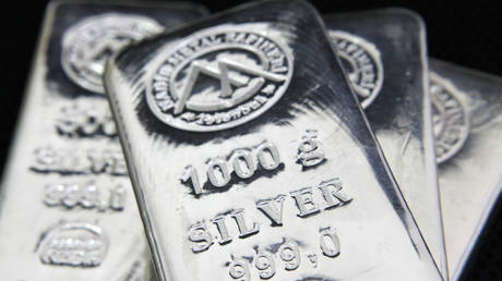 silver-investment-demand-nearly-triples-during-year-of-pandemic