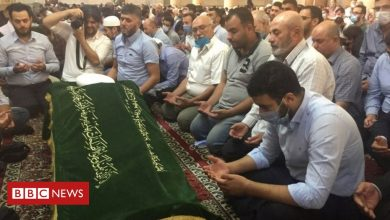Photo of Syria conflict: Hundreds mourn assassinated Damascus mufti