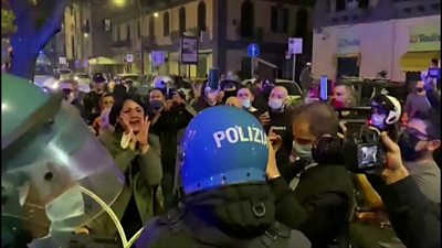 protests-in-naples-over-possible-lockdown
