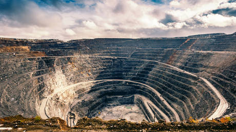 russia-to-open-world's-largest-gold-mine-in-siberia