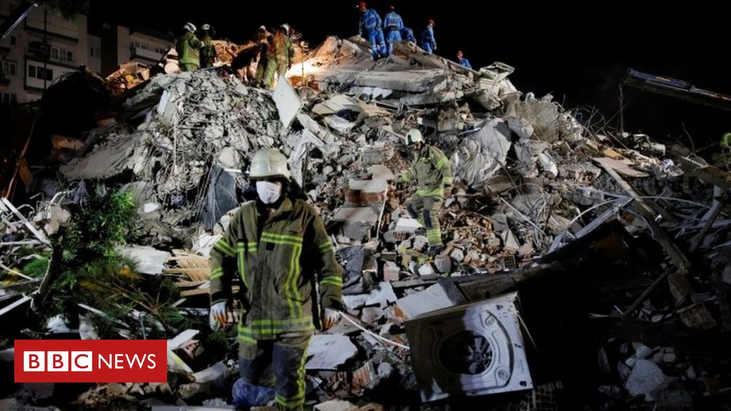 earthquake-hits-greece-and-turkey,-bringing-deaths-and-floods
