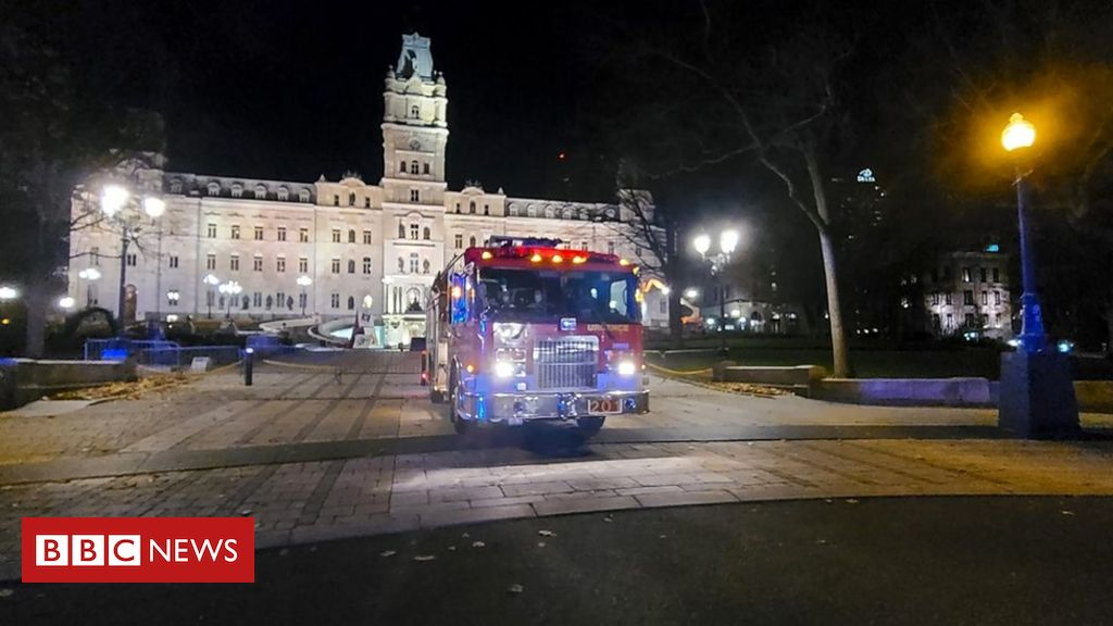 quebec-stabbing:-two-dead-after-attack-by-man-in-medieval-clothes