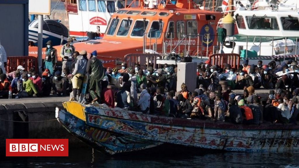 canary-islands-sees-1,600-migrants-arrive-over-weekend