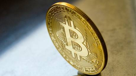 bitcoin-rallies-above-$16,000-for-first-time-since-january-2018