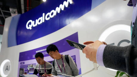 chipmaker-qualcomm-gets-greenlight-to-supply-4g-products-to-sanctioned-huawei