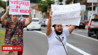 Photo of Killing of black man by guards at Brazil supermarket sparks protests