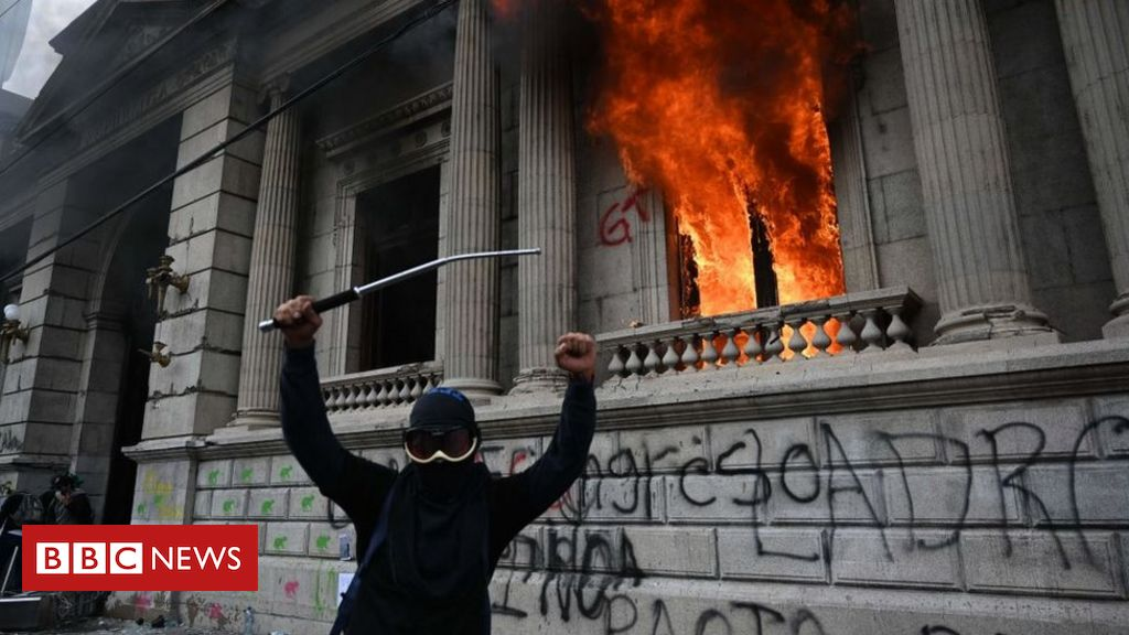 guatemala:-congress-on-fire-after-protesters-storm-building