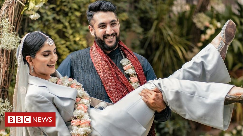 the-indian-bride-who-wore-a-pantsuit-to-her-wedding