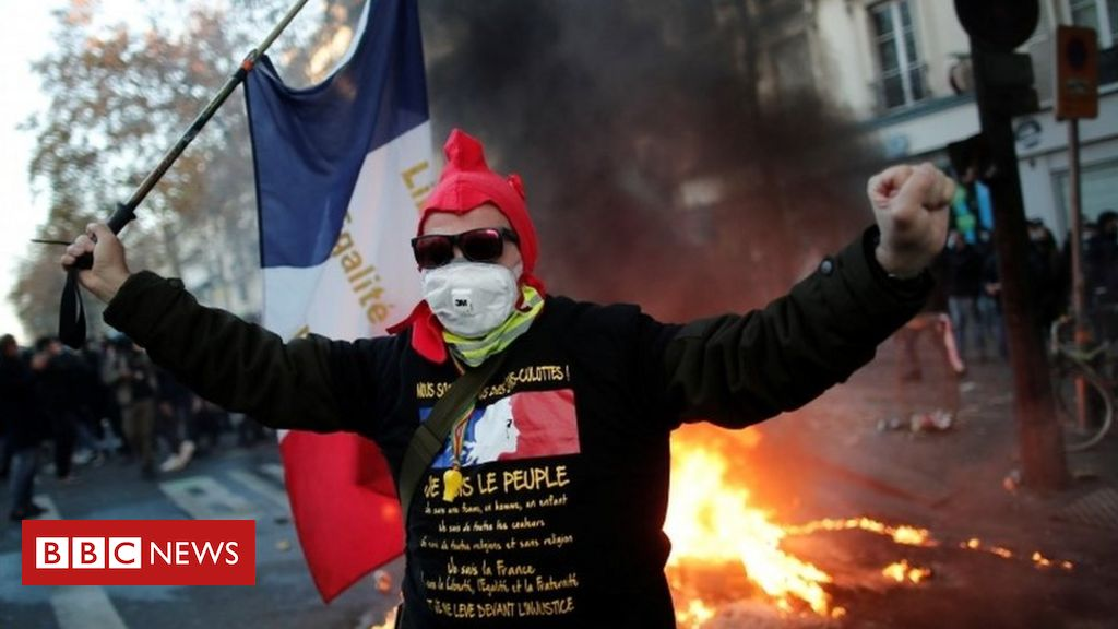france:-tear-gas-fired-as-protesters-rally-against-police-security-bill