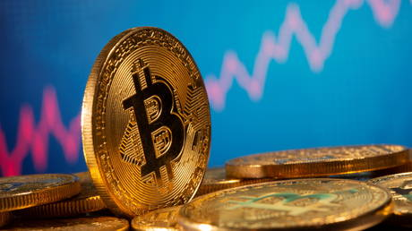bitcoin-rate-breaks-all-time-record,-nearing-$20,000-as-cryptocurrency-recovers-from-march-depression