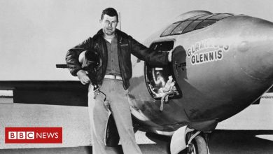 Photo of Chuck Yeager: First pilot to fly supersonic dies aged 97