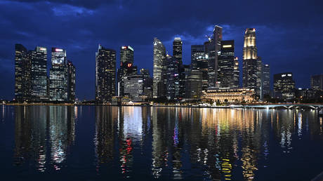 world-economic-forum-moves-from-davos-to-singapore-as-pandemic-continues-to-sweep-across-europe