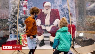 Photo of Plexiglass, sanitiser and masks: US mall Santas prepare for Christmas