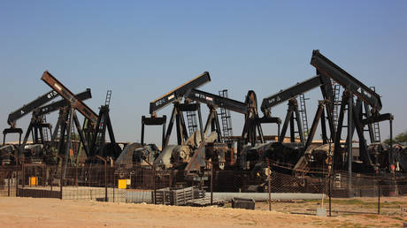 oman-looks-to-make-the-most-of-its-dwindling-oil-reserves