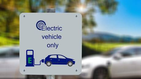 toyota-says-electric-vehicles-are-overhyped