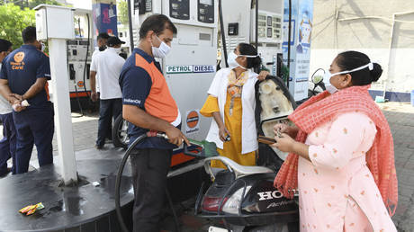 fuel-demand-in-india-is-soaring-despite-pandemic