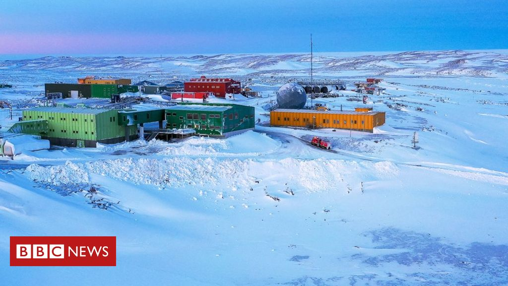 australian-expeditioner-evacuated-from-antarctica-in-five-day-mission