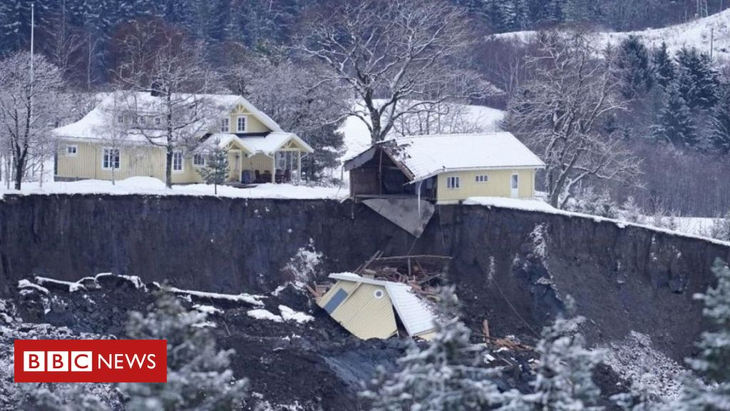 norway-landslide:-swedes-join-search-for-10-missing-in-ask-ravine