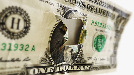 de-dollarization-in-overdrive:-russia-&-china-boost-settlements-in-national-currencies-to-25%
