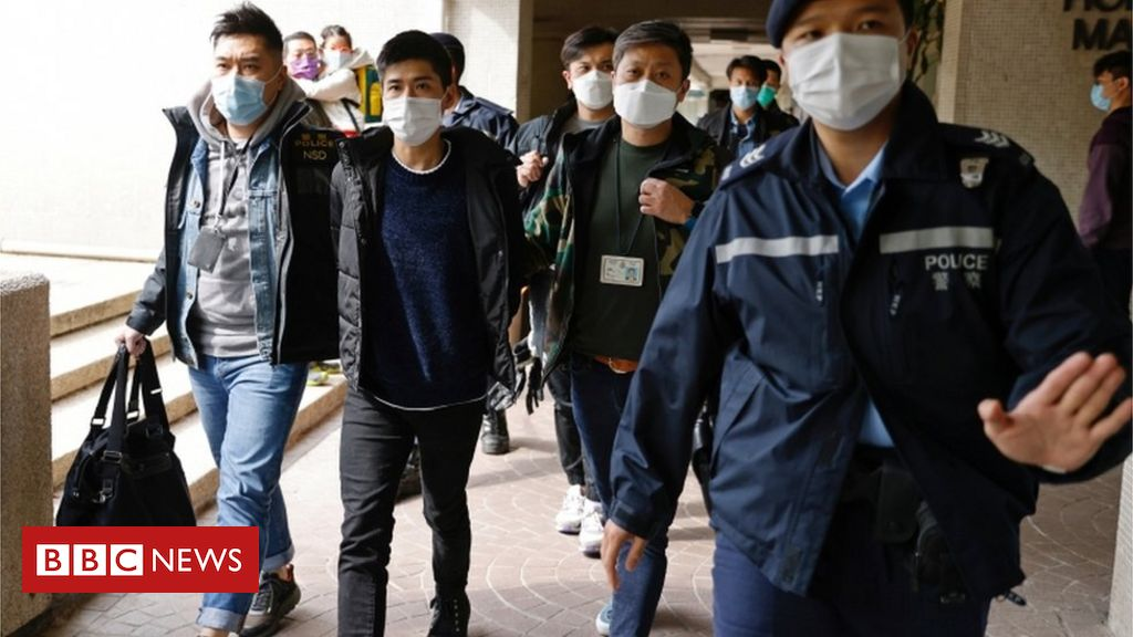 national-security-law:-mass-arrests-among-hong-kong-pro-democracy-camp